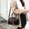 พร้อมส่ง กระเป๋าถือและสะพายข้างผู้หญิง ทรงหมอน แฟชั่นเกาหลี รหัส Yi-156 สีดำ 1 ใบ*แถมจี้แมว