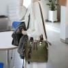 พร้อมส่ง ขายส่ง กระเป๋าถือและสะพายข้างแฟชั่นสไตล์เกาหลี รหัส KO-697 สีเขียว 1 ใบ *แถมจี้รูปแมว
