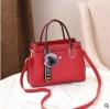 พร้อมส่ง กระเป๋าถือและสะพายข้างผู้หญิง แฟชั่นเกาหลี รหัส Yi-7103 สีไวน์แดง 1 ใบ*แถมจี้ป๋อม