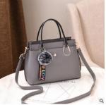 พร้อมส่ง กระเป๋าถือและสะพายข้างผู้หญิง แฟชั่นเกาหลี รหัส Yi-7103 สีเทา 1 ใบ*แถมจี้ป๋อม