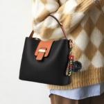 Pre-order กระเป๋าถือและสะพายข้างสตรี แฟชั่นเกาหลี รหัส KO-003 สีดำ *แถมป๋อม