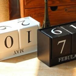 ปฏิทินลูกเต๋า (wooden calendar)