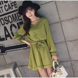 ชุดเดรสแฟชั่น ผ้าโพลีเอสเตอร์ สีเขียว (เนื้อผ้าคล้ายชีฟอง แต่หนากว่าชีฟอง)