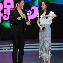 แฟชั่นเกาหลี set เสื้อและกระโปรงสวยเก๋