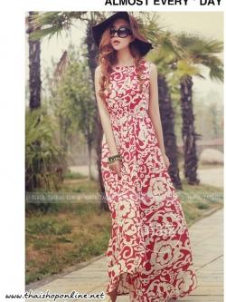 แมกซี่เดรสราคาถูก ผ้าชีฟองเนื้อดี พื้นสีแดง พิมพ์ลายดอกไม้สีขาวครีม แขนกุด คอกลม จั๊มช่วงเอว