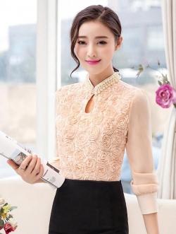 เสื้อแฟชั่น ตัวเสื้อด้านหน้าเป็นผ้ารูปดอกไม้ สีชมพูโอรส