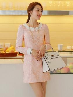 ชุดเดรสสั้น Brand Bluearly แท้ 100% ชุดเดรสออกงาน ผ้าโพลีเอสเตอร์อย่างดี สีชมพู-ขาว ลายดอกไม้ แขนยาว