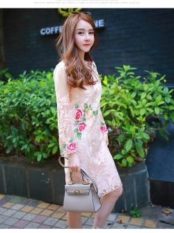 ชุดเดรสสวยๆ ผ้าลูกไม้ ปักลายดอกไม้สีครีม