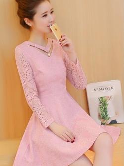ชุดเดรสสวยๆ เดรสผ้าลูกไม้ สีชมพูกะปิ แขนยาว ผ้าลูกไม้ยืดหยุ่นได้ดี