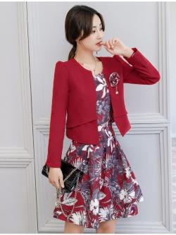 เดรสแฟชั่น Set เสื้อสูท และเดรสสีแดงเข้ม แฟชั่นเกาหลีมาใหม่