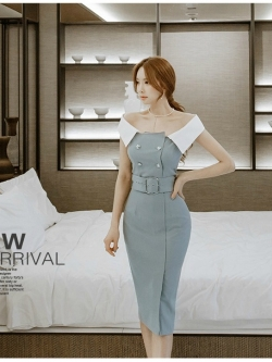 ชุดเดรสเกาหลี ผ้าคอตตอนผสมสีฟ้าเข้ม คอปกสีขาว ไหล่ป้าน เดรสทรงตรงสอบ