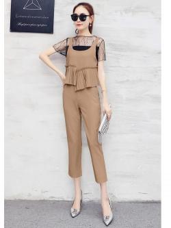 เสื้อผ้าแฟชั่นเกาหลี set 3 ชิ้น เสื้อตัวใน เสื้อตัวนอก และกางเกงสีน้ำตาล
