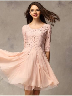 ชุดแซกออกงาน Brand SHI HAN ชุดเดรสชุดแซก ผ้าลูกไม้อย่างดีสีชมพู หน้าอกเสื้อแต่งด้วยผ้าลายดอกไม้ ประดับด้วยมุกสีขาว สวยมากๆครับ (พร้อมส่ง)