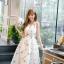 ชุดเดรสเกาหลี ผ้าซาตินเนื้อนิ่ม เงาสวย แขนกุด พื้นสีขาว พิมพ์ลายดอกไม้โทนสีขาว เดรสเข้ารูปช่วงเอว thumbnail 5