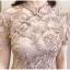 ชุดเดรสสวยๆ ตัวชุดผ้าโปร่งเนื้อละเอียดสีครีม ตัวผ้าเดินเส้นผ้าริบบิ้นสีครีมโค้งหยักตามแบบ thumbnail 14