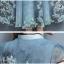 แมกซี่เดรสยาว ผ้าชีฟองเนื้อดี สีเขียวอมเทา คอจีน หน้าอก แขนเสื้อ และชายกระโปรงพิมพ์ลายดอกไม้ thumbnail 10