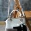 พร้อมส่ง กระเป๋าผู้หญิงถือเย็บสลับสี กระเป๋าผู้ใหญ่ถือออกงานแต่งโบว์ห้อย เย็บสลับสี รหัสYi-4217 สีชมพู 1 ใบ thumbnail 28