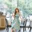 ชุดเดรสเกาหลี ผ้าซาตินเนื้อนิ่ม เงาสวย แขนกุด พื้นสีเขียว พิมพ์ลายดอกไม้โทนสีขาว เดรสเข้ารูปช่วงเอว thumbnail 12