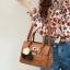 Pre-order พร้อมส่ง กระเป๋าถือสตรีและสะพายข้าง แฟชั่นเกาหลี รหัส KO-1703 สีน้ำตาลอมส้ม *แถมป๋อม 3 สี thumbnail 1