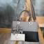 พร้อมส่ง กระเป๋าผู้หญิงถือเย็บสลับสี กระเป๋าผู้ใหญ่ถือออกงานแต่งโบว์ห้อย เย็บสลับสี รหัสYi-4217 สีชมพู 1 ใบ thumbnail 14