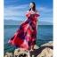 แมกซี่เดรสยาว ผ้าชีฟองเนื้อหนา พื้นสีแดง พิมพ์ลายใบไม้สีน้ำเงินดำ และขาว เหมือนแบบ thumbnail 3