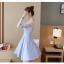 ชุดเดรสสวยๆ ตัวเสื้อผ้าลูกไม้ลายดอกไม้สีชมพู ซับในด้วยผ้าสีฟ้า แขนยาว คอวี ไหล่ป้าน thumbnail 9