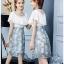 ชุดเดรสสั้นน่ารักๆ ใส่ทำงาน ตัวเสื้อผ้าชีฟองเนื้อดีสีขาว ผ้ามีลายเส้นในตัวซ้อนกันสองชั้น thumbnail 13