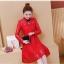 ชุดเดรสสีแดง คอจีน ผ้าลูกไม้เนื้อนิ่มแขนยาว เดรสเข้ารูปช่วงเอว กระโปรงทรงเอ มีซับใน ซิบด้านหลังลำตัว thumbnail 8