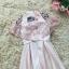 ชุดราตรีสั้นสุดหรู ผ้าซาตินสีชมพู ตัวเสื้อแขนกุด มีผ้าโปร่งเดินริบบิ้นหยักตามแบบสีชมพู thumbnail 7