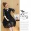 เดรสสีดำ ผ้าลูกไม้ลายเส้นตามแบบ คอเสื้อแต่งด้วยผ้าแยกชิ้นออกมา แต่งด้วยมุกสีขาว thumbnail 4