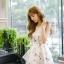 ชุดเดรสเกาหลี ผ้าซาตินเนื้อนิ่ม เงาสวย แขนกุด พื้นสีขาว พิมพ์ลายดอกไม้โทนสีขาว เดรสเข้ารูปช่วงเอว thumbnail 6