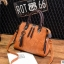 พร้อมส่ง ขายส่ง กระเป๋าถือและสะพายข้างแฟชั่นสไตล์เกาหลี รหัส KO-697 สีน้ำตาลอมส้ม 1 ใบ *แถมจี้รูปแมว thumbnail 1