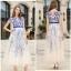 ชุดเดรสยาว ตัวชุดเป็นผ้าโปร่งสีขาวครีม 2 ชั้น ชั้นนอกปักเดินเส้นด้ายสีน้ำเงิน ซับในด้วยผ้าซาตินสีขาวทั้งตัว thumbnail 7