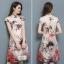 ชุดเดรสคอจีน ผ้าไหมเนื้อเงาสีครีม พิมพ์ลายตามแบบ เดรสทรงตรง แหวกที่ชายกระโปรงด้านข้างทั้ง 2 ข้าง thumbnail 5