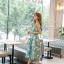 ชุดเดรสเกาหลี ผ้าซาตินเนื้อนิ่ม เงาสวย แขนกุด พื้นสีเขียว พิมพ์ลายดอกไม้โทนสีขาว เดรสเข้ารูปช่วงเอว thumbnail 6