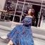 แม็กซี่เดรสยาว เดรสใส่เที่ยว ผ้าคอตตอนผสมพื้นสีน้ำเงิน พิมพ์ลายดอกไม้โทนสีแดง จั๊มช่วงไหล่ thumbnail 11