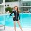ชุดว่ายน้ำทูพีช แบบสปอร์ตสีดำ มีซิบกลางอก แขนเสื้อสกรีนตัวหนังสือ มีบาร์ด้านใน thumbnail 6
