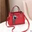 พร้อมส่ง กระเป๋าถือและสะพายข้างผู้หญิง แฟชั่นเกาหลี รหัส Yi-7103 สีไวน์แดง 1 ใบ*แถมจี้ป๋อม thumbnail 1