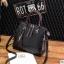 พร้อมส่ง ขายส่ง กระเป๋าถือและสะพายข้างแฟชั่นสไตล์เกาหลี รหัส KO-697 สีดำ 1 ใบ *แถมจี้รูปแมว thumbnail 1