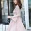 ชุดเดรสลูกไม้ สีชมพู ดีไซน์สวยมากๆ ครับไหล่และช่วงเอวคาดด้วยผ้าริบบิ้นไขว์กัน thumbnail 4