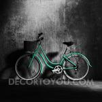 ภาพจักรยานสีเขียว กรอบลอย 30x30 cm.