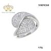 แหวนทองคำขาว ประดับเพชร CZ แหวนทรงหยดน้ำ 2 หยดไขว้กัน ฝังเพชรแวววาวและดูหรูหรา ทรงแบบโมเดิร์น จัดเต็มแบบหรูๆ ดีเทลสวยตรึงใจ