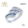 แหวนเพชร ประดับ เพชรCZ แหวนลายเกลียว ประดับเพชรกลมขาวสลับเพชรกลมน้ำเงิน มีประกายระยิบระยับ แวววาว ดูหรูหรา ก้านแหวนเรียวเล็ก สวมใส่สบาย