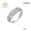 แหวนเงิน ประดับเพชร CZ แหวนแถวฝังเพชรกลมขาว 2 แถวเพิ่มความเก๋ขอบแหวนฉลุร่อง ชิ้นงานมีความละเอียด ประณีต สวยงาม