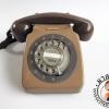 โทรศัพท์เก่าแบบหมุนสีน้ำตาล GEC