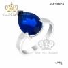 แหวนทองคำขาว ประดับเพชร CZ แหวนพลอยทรงหยดน้ำสีน้ำเงิน ดีไซน์หรู ออกแบบได้ล้ำสวยเวอร์เริ๊ดๆ งานโดดเด่นไม่เหมือนใคร สยบคนรอบข้างแบบชิวๆ กันไปเลยค่ะ
