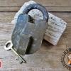 กุญแจทองเหลืองโบราณ