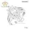 แหวนเงิน ประดับเพชร CZ แหวนดอกไม้ทรงมาร์คีย์ ฝังเพชรล้อมรอบ ช่วงบ่าแหวนฉลุโปร่ง ออกแบบได้สวยเวอร์ล้ำเริศ งานดีประณีตทุกขั้นตอน