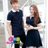 เสื้อคู่ เสื้อคู่รัก ชุดพรีเวดดิ้ง ชุดคู่รัก เสื้อคู่รักเกาหลี เสื้อผ้าแฟชั่น ผู้ชาย เสื้อคอปก สีกรมท่า ประดับแขนและคอปกสีขาว ผู้หญิง เดรสแขนสั้น สีกรมท่า ประดับแขนและคอปกสีขาว