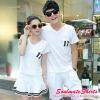 ชุดคู่รัก เสื้อคู่รักเกาหลี แฟชั่นคู่รักเกาหลี ผู้หญิงชุดเสื้อคอวี-กระโปรงผ้ายืดสีขาว + ผู้ชาย เสื้อยืดคอวี-กางเกงผ้ายืดนุ่ม เซตนี้ออกแนวคู่รักสปอร์ต โฉบเฉี่ยว น่ารักมากค่ะ